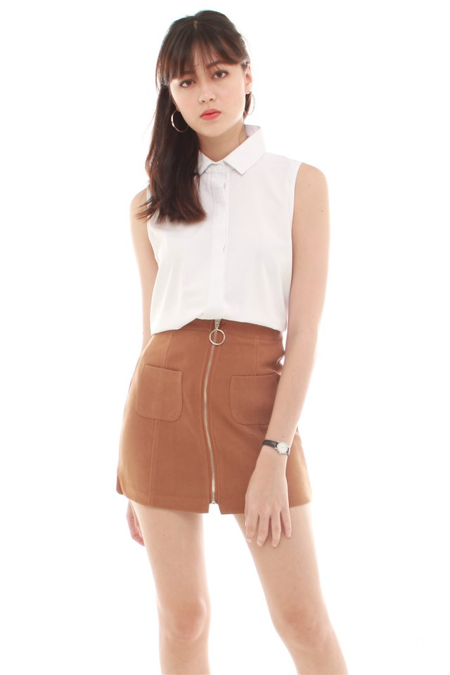 *BACK IN STOCK* Exposed Zipper Suede Skirt in Camel