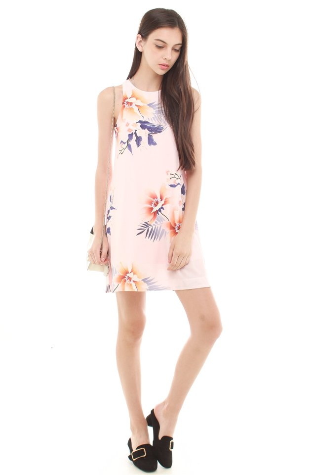 Spring Florals Pocket Trapeze Dress in Blush