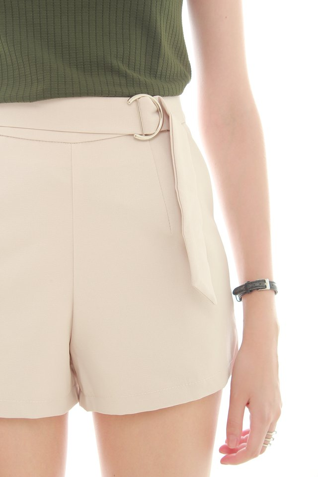 Buckle Basic Pocket Shorts in Khaki
