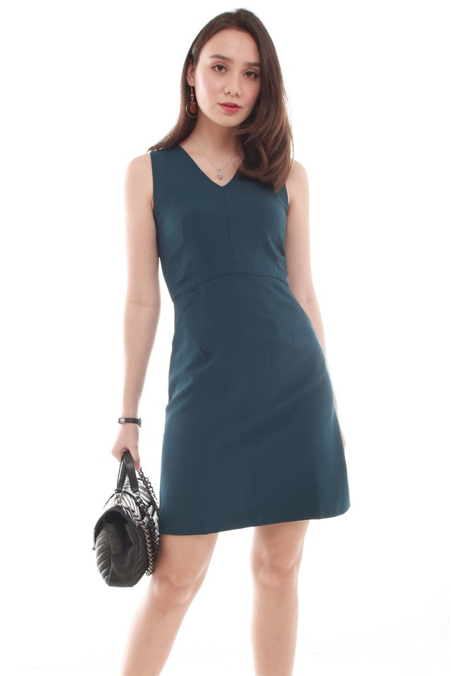 Crescent Pocket Work Dress in Emerald