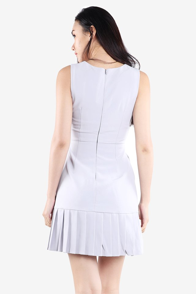 Boulevard Walk Pleat Dress (Grey)